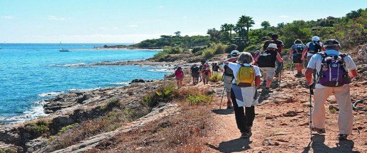 De la randonnée pédestre à Saint-Tropez : comment s'y prendre ?